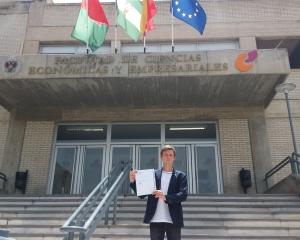 Аспирант факультета экономики и управления успешно завершил научную стажировку в Университете Гранады