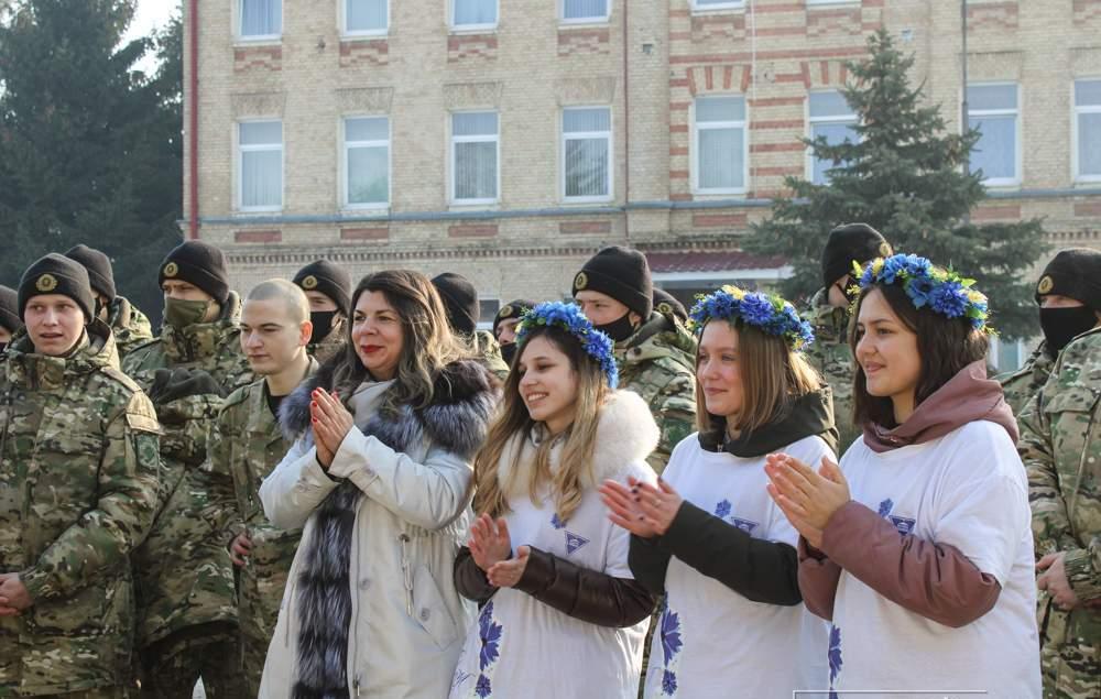 Представительницы факультета экономики и управления поздравили военнослужащих войсковой части 5522