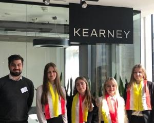 Студентки факультета экономики и управления достойно выступили в финале  кейс-чемпионата по консалтингу в Москве