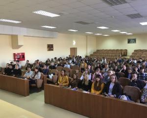 Встреча с первокурсниками прошла на факультете экономики и управления